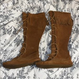 Minnetonka Knee High Lace Up moccasins